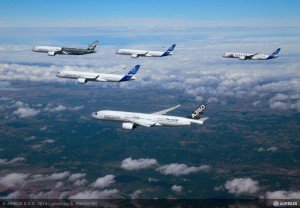10             Airbus-A350XWB-Formation-Flight-03