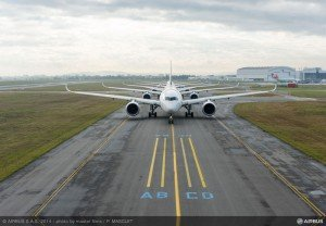 7 Airbus_A350XWB_Formation_Flight_-_Push-back_-_07